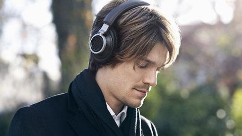 Наушники Philips Fidelio L1 отлично ладят с любыми музыкальными жанрами.