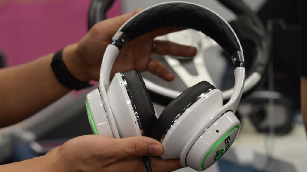 Samsung VR Headphones Entrim 4D