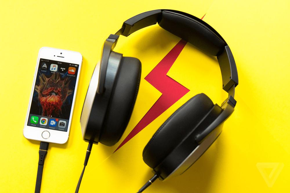 Первая причина купить наушники Lightning для своего iPhone 7 - портативность