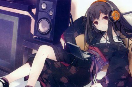 Девушка в наушниках для музыки