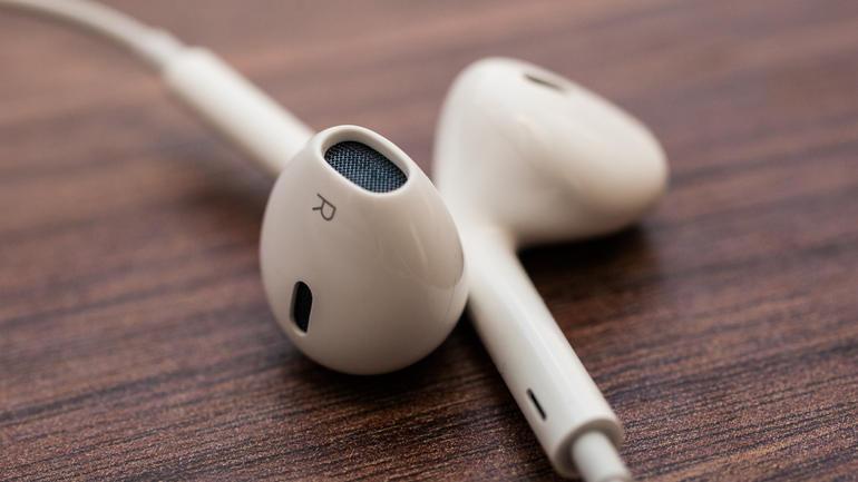 AirPods - наушники вкладыши для телефонов Apple