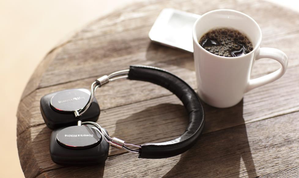 Кофе и наушники