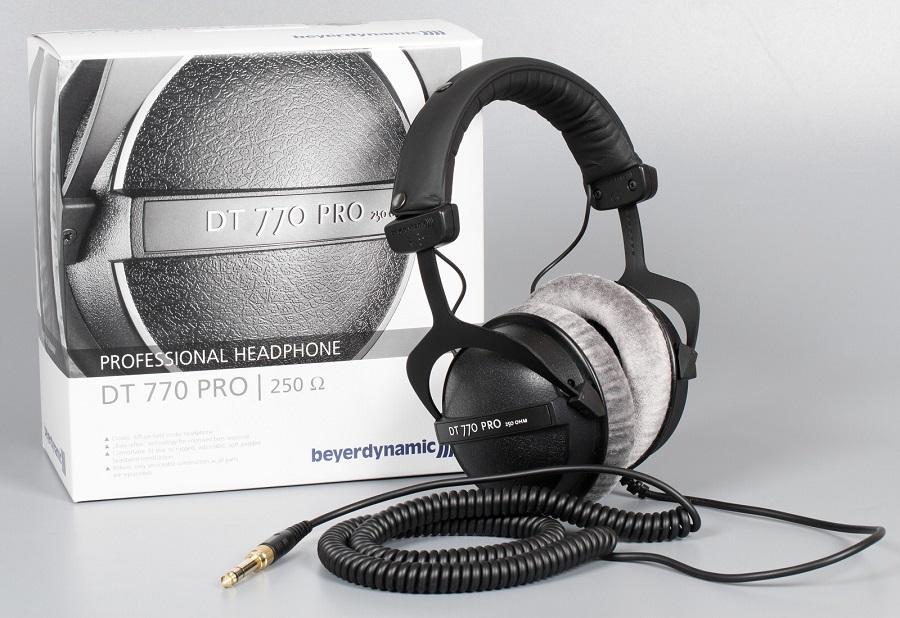 Полноразмерные наушники с длинным проводом Beyerdynamic DT 770 Pro