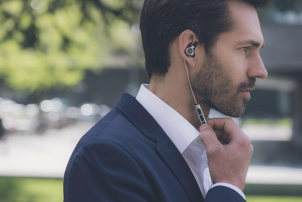 Беспроводные наушники Xelento Wireless