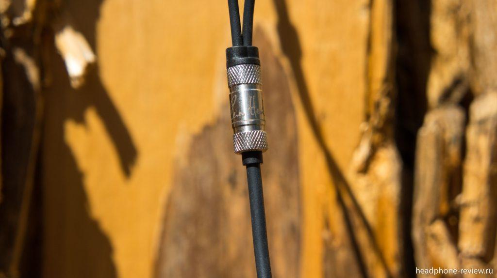 Делитель кабеля наушников RHA T20