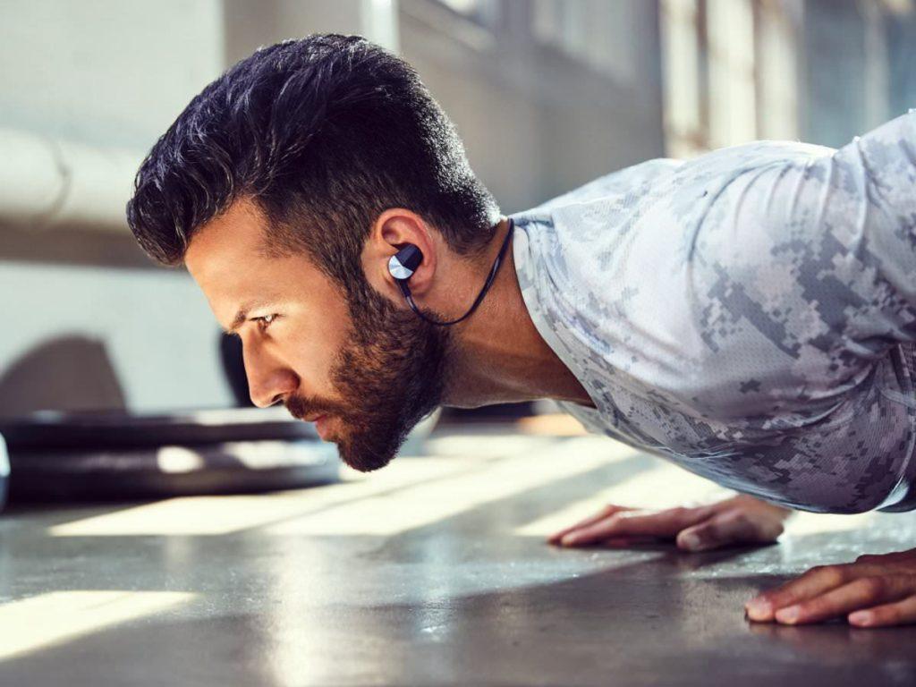 Спортивные наушники Fitbit Flyer