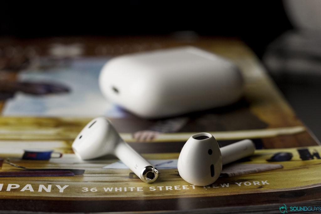 Беспроводные наушники-вкладыши Apple Airpods