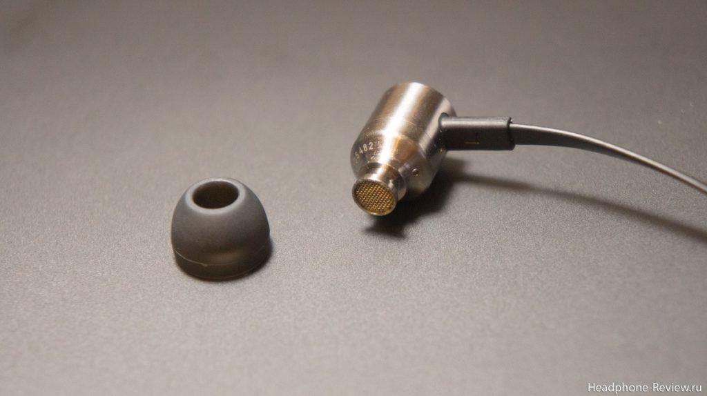 Отделение силиконового амбушюра для чистки наушников от ушной серы