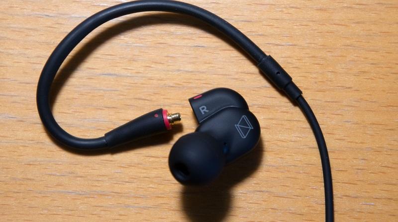 Правильно подключенный кабель к наушникам