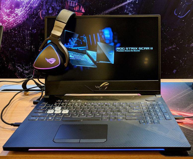 Игровая гарнитура с микрофоном и подсветкой Asus ROG Delta Type-C