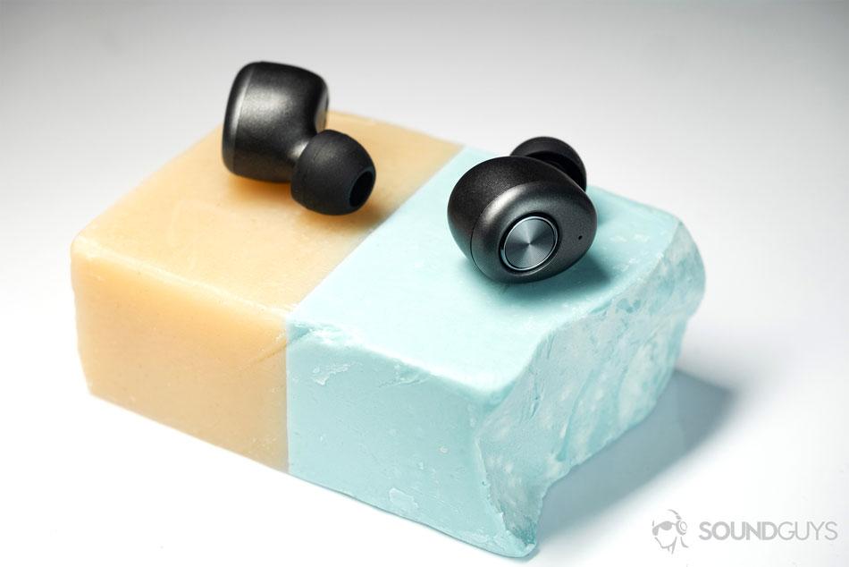 Беспроводные наушники  Monoprice True Wireless