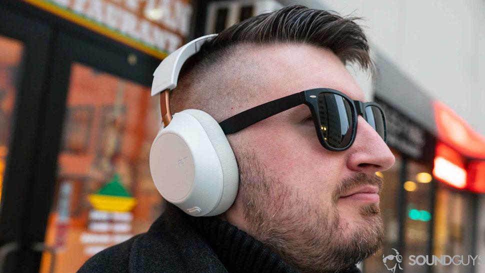 Беспроводные наушники Plantronics Backbeat Go 810