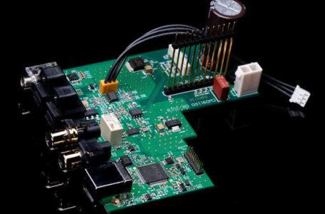 Плата расширения QXR для усилителей с новым ЦАПом и асинхронным USB