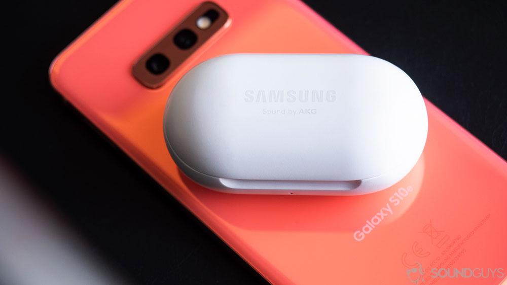 Беспроводные наушники Samsung Galaxy Buds