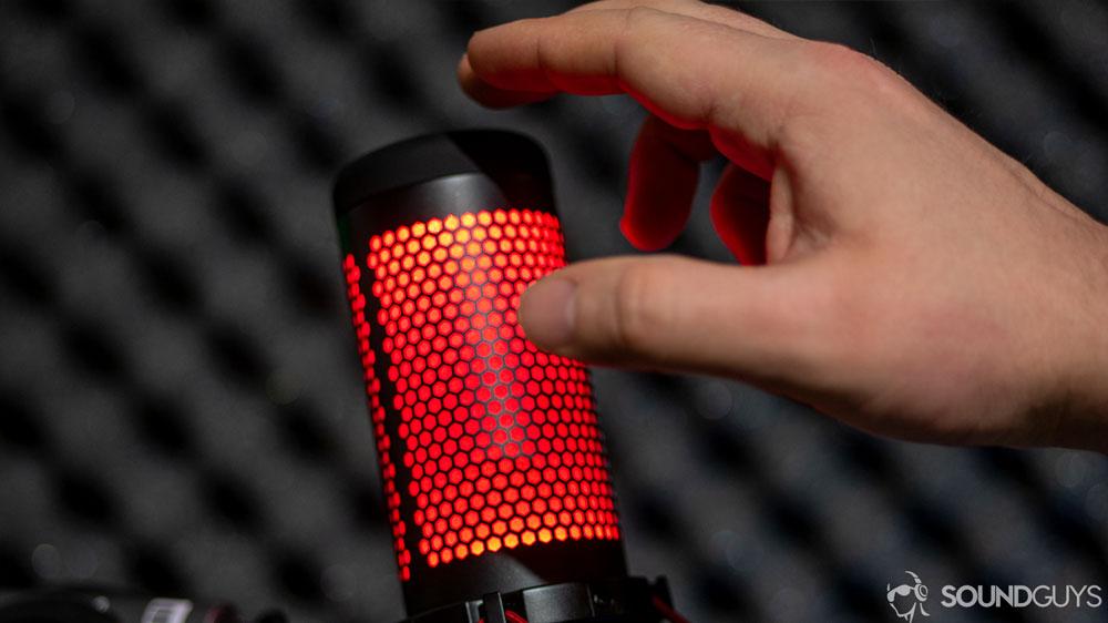 Сенсорная панель, отключающая микрофон и подсветку