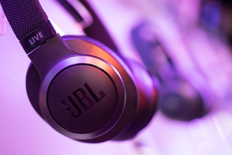 Тест-обзор новой коллекции наушников Live от JBL