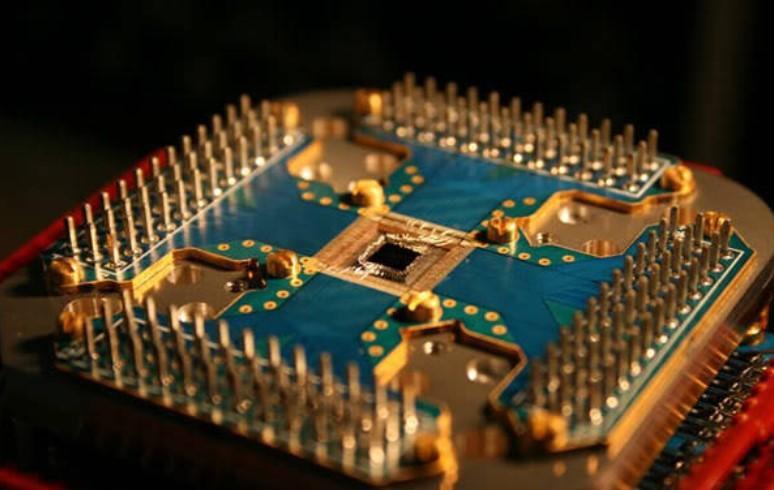 В чем заключается сложность создания квантового компьютера