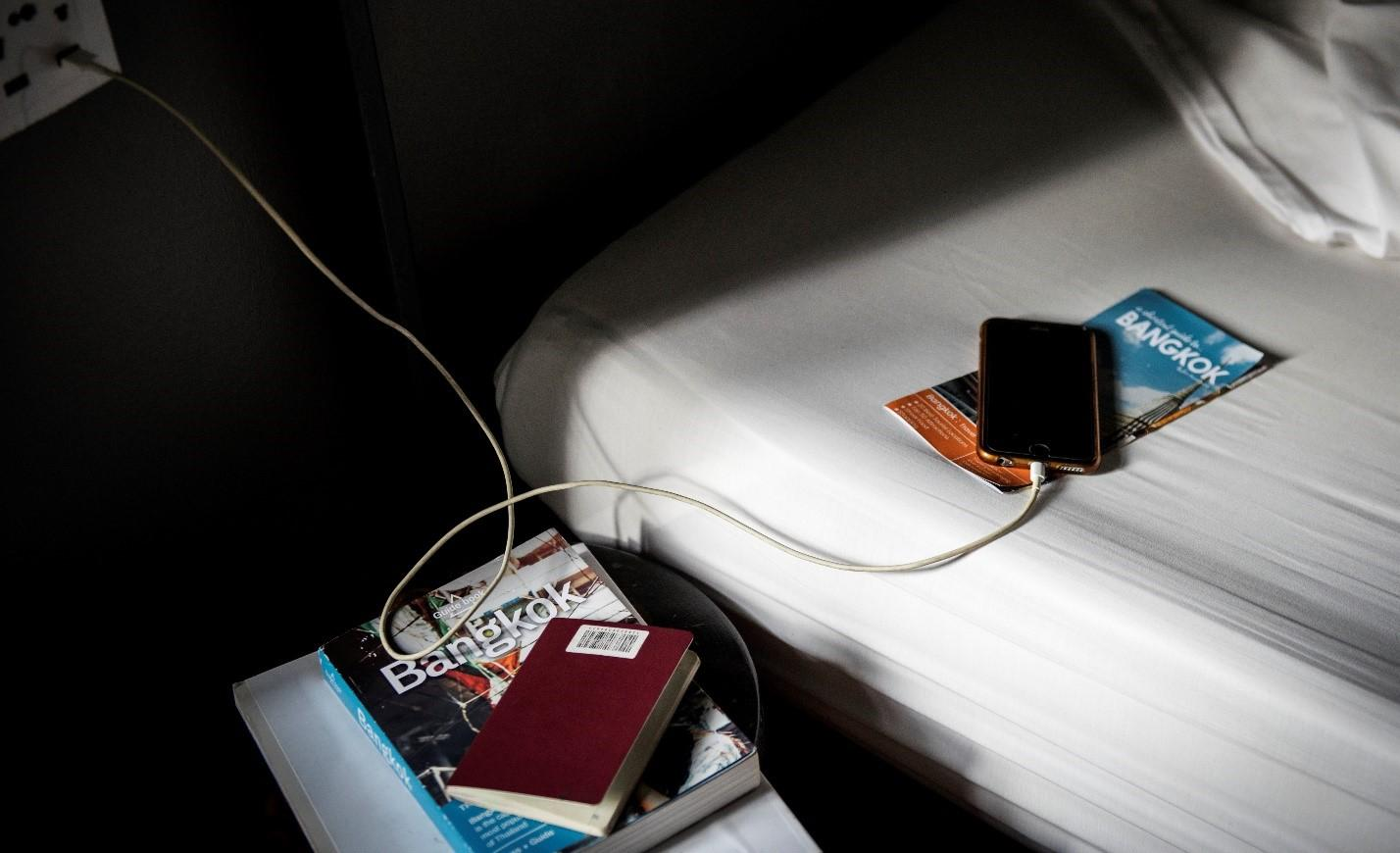 Опасность использования телефона во время зарядки