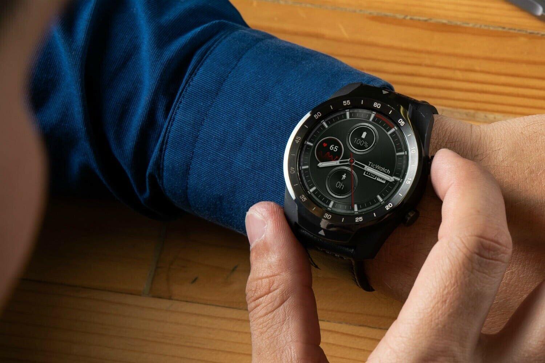 Топ умных часов с функцией NFС, которыми можно пользоваться в России