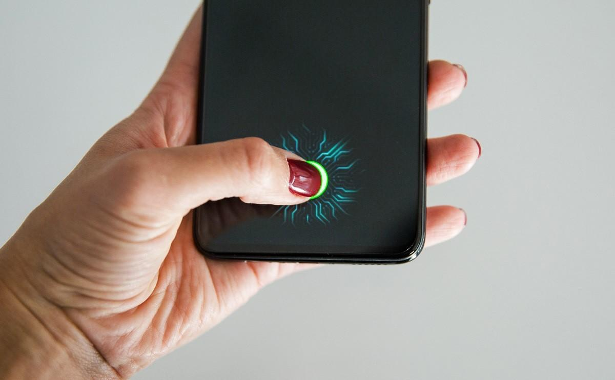Мешает ли защитная пленка работе экрана телефона