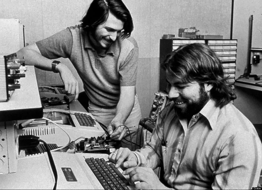 Основные эпохи развития Apple