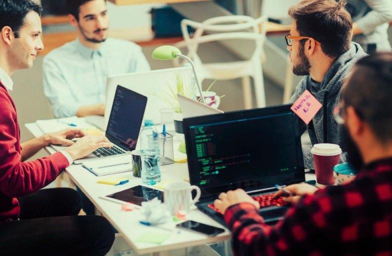В каких странах проживают сильные программисты