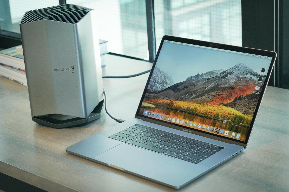 Почему веб-камера в MacBook Pro не меняется