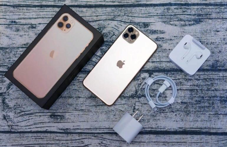 Что продается в комплекте с iPhone 11