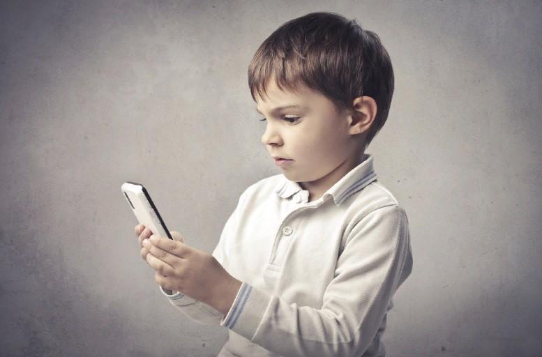 Подходящие смартфоны для детей: какой гаджет купить ребенку