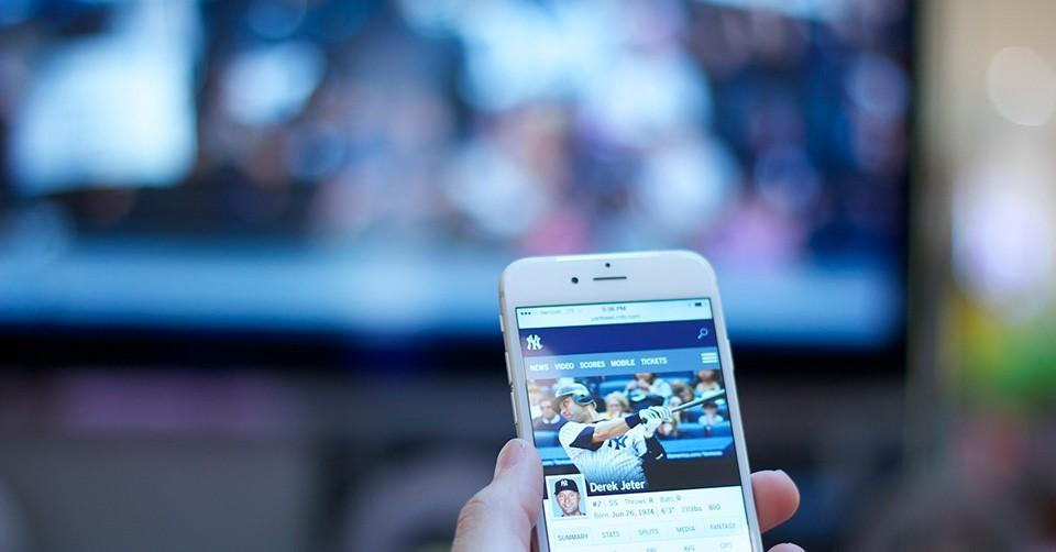 Эффективные способы, которые помогут подключить мобильный гаджет к телевизору